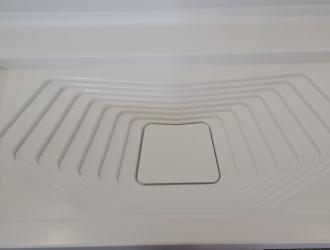 Detaliu lavoar si blat baie din material compozit Kerrock