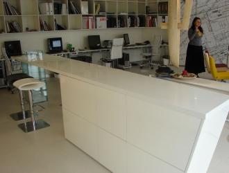 Blat bucatarie si insula compozit pentru zona birouri