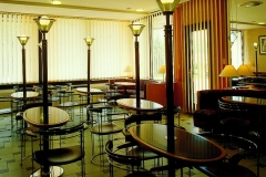 mese restaurant din material compozit