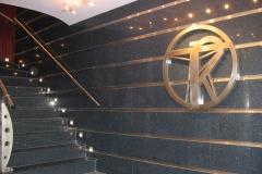 placare murala si trepte din material compozit Technistone